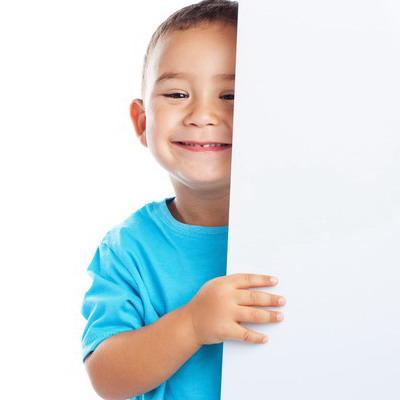 "Bagaimana Mengajarkan Si Kecil Bilang ""Permisi""?"