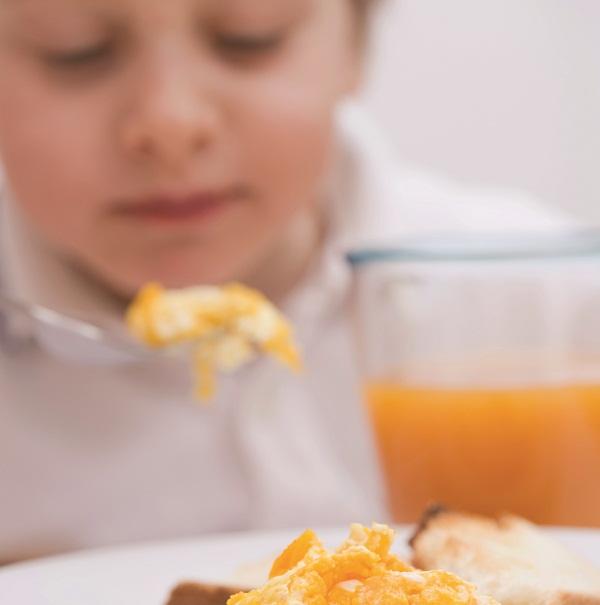 Makanan Ini Bisa Buat Perut Anak Kembung