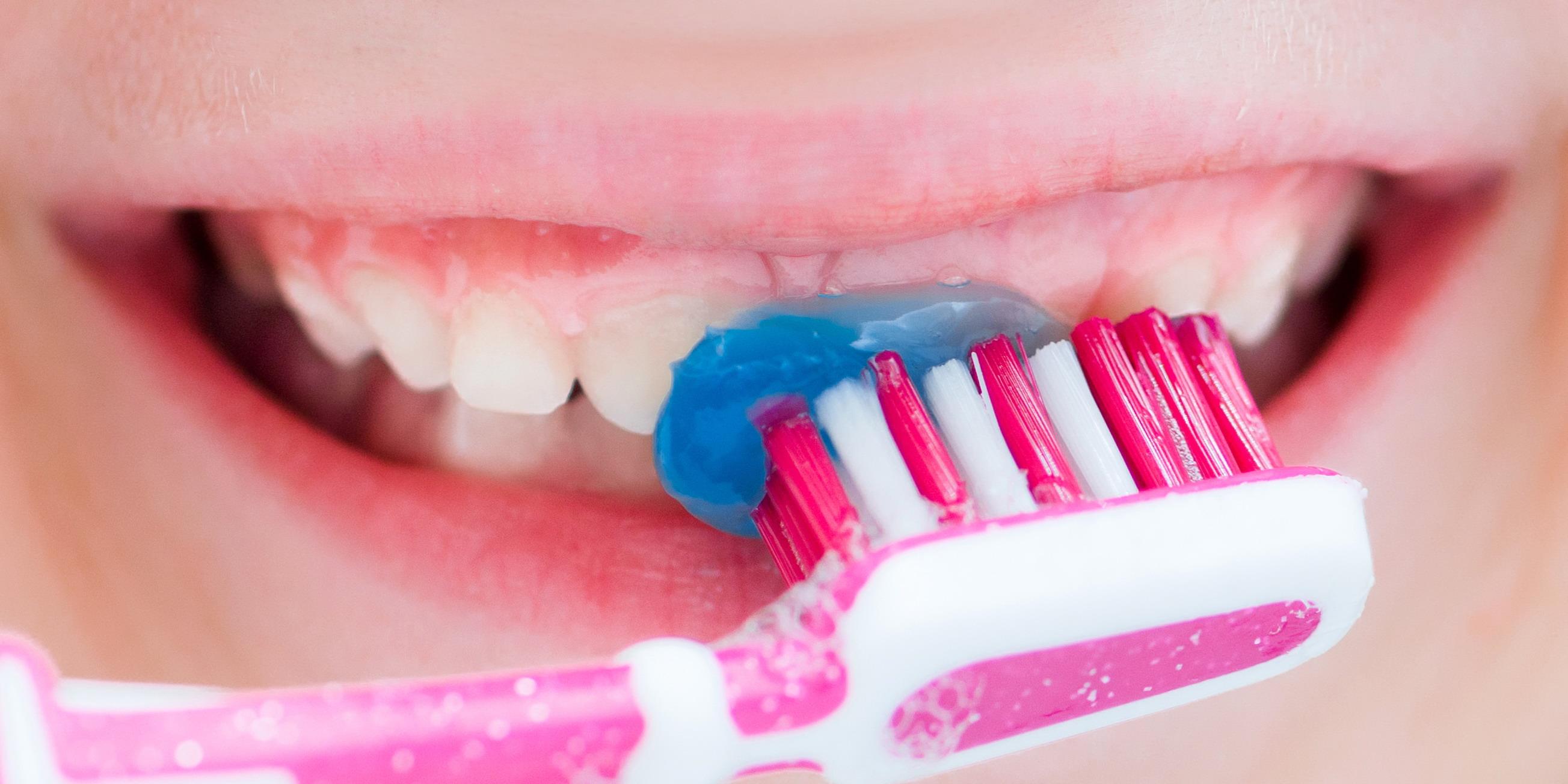 Cara Menyenangkan Anak Sikat Gigi