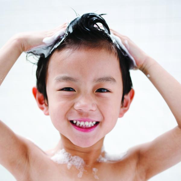 Anak Bisa Cuci Rambut Sendiri